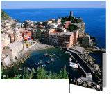 Vernazza and Harbour  Cinque Terre  Liguria  Italy