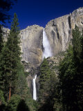 Upper and Lower Yosemite Falls  Yosemite Valley  Yosemite National Park  California  USA