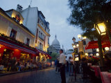 Place Du Tertre  with the Dome of Sacre Coeur Behind  Montmartre  Paris  France