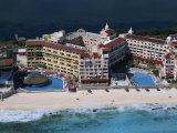 Hotel Area of Cancun  Cancun  Yucatan  Mexico  North America