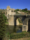 Old Gateway Bridge over the River and the City of Toledo  Castilla La Mancha  Spain  Europe