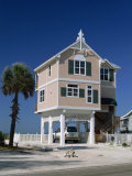 Modern House by the Beach in the Gulf Coast Town of Bradenton Beach  South of Tampa  Florida  USA