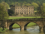 Bridge over the River and Chatsworth House  Derbyshire  England  United Kingdom  Europe