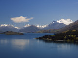 Clear Waters of Lake Wakatipu Near Queenstown  Otago  South Island  New Zealand  Pacific