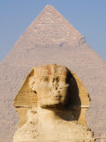 Sphynx and the Pyramid of Khafre  Giza  Near Cairo  Egypt