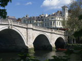 Bridge and River Thames  Richmond  Surrey  England  United Kingdom  Europe