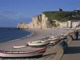 Beach and Falaise D'Amont  Etretat  Cote D'Albatre  Haute Normandie  France  Europe