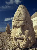 Statue Head Portraying Zeus  and Antiochos in Background  Nemrut Dag  Anatolia  Turkey
