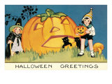 Children with Giant Jack O&#39;Lantern