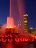 Buckingham Fountain illuminated at night  Chicago  Illinois  USA