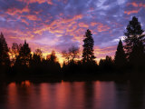 Deschutes River at sunrise  Bend  Oregon  USA