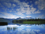 South Sister reflects in Sparks Lake  Deschutes National Forest  Oregon  USA