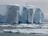 Tabular Icebergs in the Antarctic Ocean