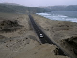 Pan American Highway Runs Along Peru&#39;s Pacific Coast