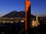 Mexico's Tallest Monument to Commerce Contrasts Traditional Cathedral