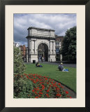 Fusileir&#39;s Arch at Saint Stephen&#39;s Green in Dublin  Ireland