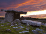 Poulnabrone Dolmen  the Burren  Co  Clare  Ireland