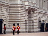 Officers Patrol the Minutes  Buckingham Palace  London