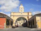Santa Catarina Arch  Antigua  UNESCO World Heritage Site  Guatemala  Central America