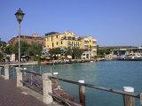 Sirmione  Lake Garda  Italian Lakes  Lombardy  Italy  Europe