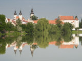 Telc Chateau and Residential Buildings Reflected in Stepnicky Pond  Telc  Jihlava Region