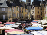 Market Day in Place De La Liberte  Sarlat  Dordogne  France  Europe