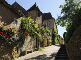 Medieval Street in the Old Town  Sarlat  Sarlat Le Caneda  Dordogne  France  Europe