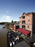 Old Barge Restaurant  Bar and Cafe  Riverside Granary Warehouses  Porvoonjoki Rive