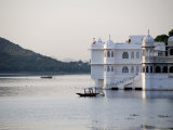 Lake Palace at Sunrise  Udaipur  Rajasthan  India  Asia