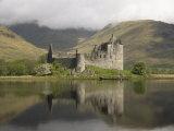 Kilchurn Castle  Near Loch Awe  Highlands  Scotland  United Kingdom  Europe
