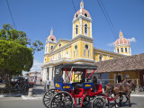 Horse Cart Passing Cathedral De Granada  Park Colon (Park Central)  Nicaragua  Central America