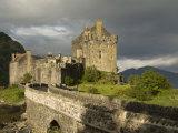 Eilean Donnan Castle  Near Dornie  Highlands  Scotland  United Kingdom  Europe