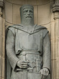 Statue of Sir William Wallace at Entrance to Edinburgh Castle  Edinburgh  Scotland  United Kingdom