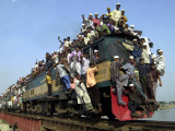 Bangladeshi Muslim Pilgrims Crowd a Train as They Return Home after Three-Day Islamic Congregation