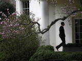 President Barack Obama Walks Down the Colonnade to the Oval Office of the White House Papier Photo