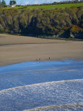 Walkers on Stradbally Strand  the Copper Coast  County Waterford  Ireland