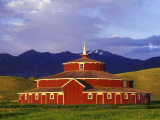 Historic Round Barn at Twin Bridges  Montana  USA
