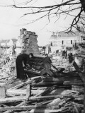 Playing a Piano Amid the Destruction - the Blitz