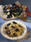 Close-Up of Spaghetti with Mussels