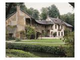 Vue extérieure petit Trianon : Hameau de la Reine : le Billard et la Maison de la Reine