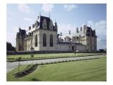 Vue extérieure du château d'Ecouen : façade sud du château  prise de l'angle sud-est