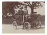 Hautefort   couple dans une automobile