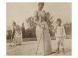 Claire Salles  Robert Salles et une femme posant un croquet