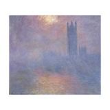 Londres  le Parlement  trouée de soleil dans le brouillard
