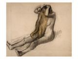 Femme nue  assise par terre  se peignant