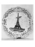 Assiette repr&#233;sentant la Tour Eiffel et le dirigeable &quot;Lebaudy&quot;
