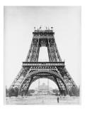 La Tour jusqu'à la 2e plate-forme  au second plan le palais du Trocadéro