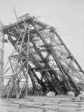 La Tour Eiffel : une pile avec échafaudage