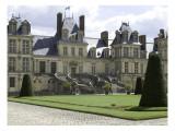 Vue ded la façade principale et la Cour du Cheval Blanc