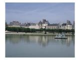 Fontainebleau : Façades donnant sur le grand parterre  avec au centre un bassin ; jardins de Le
